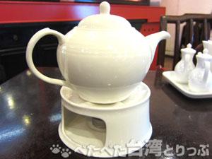 點水樓食べ放題のお茶ポット
