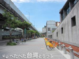 大橋頭駅「出口2」を出た時の景色