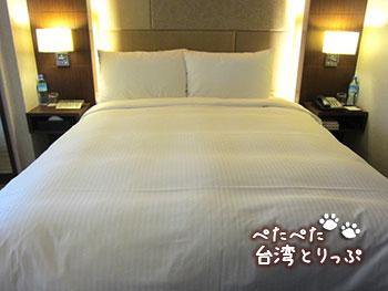 パークタイペイホテル ベッド