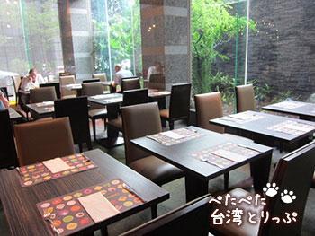 パークタイペイホテル 台北美侖大飯店 朝食 雰囲気