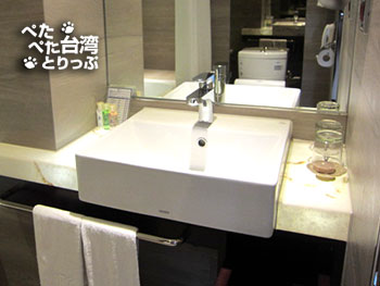 Kホテル台北松江館の洗面台