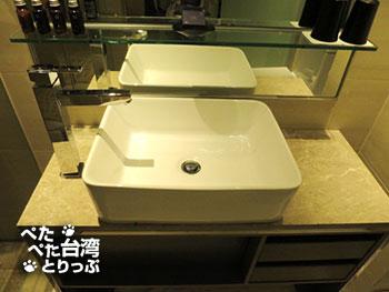 ホテルミッドタウンリチャードソンの洗面台